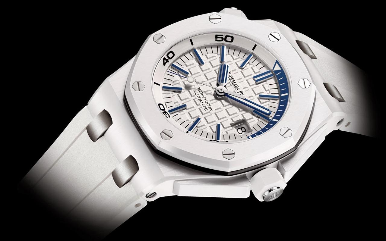 sihh-2014-audemars-piguet-royal-oak-offshore-diver-white-ceramic-prezzo-price_0-100_4