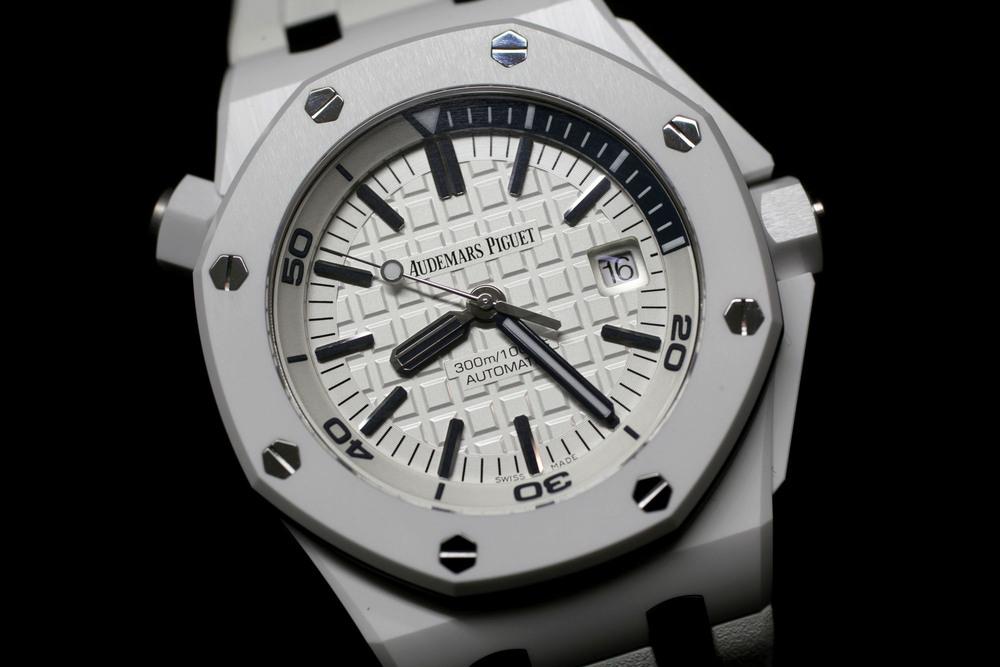 sihh-2014-audemars-piguet-royal-oak-offshore-diver-white-ceramic-prezzo-price_0-100_5
