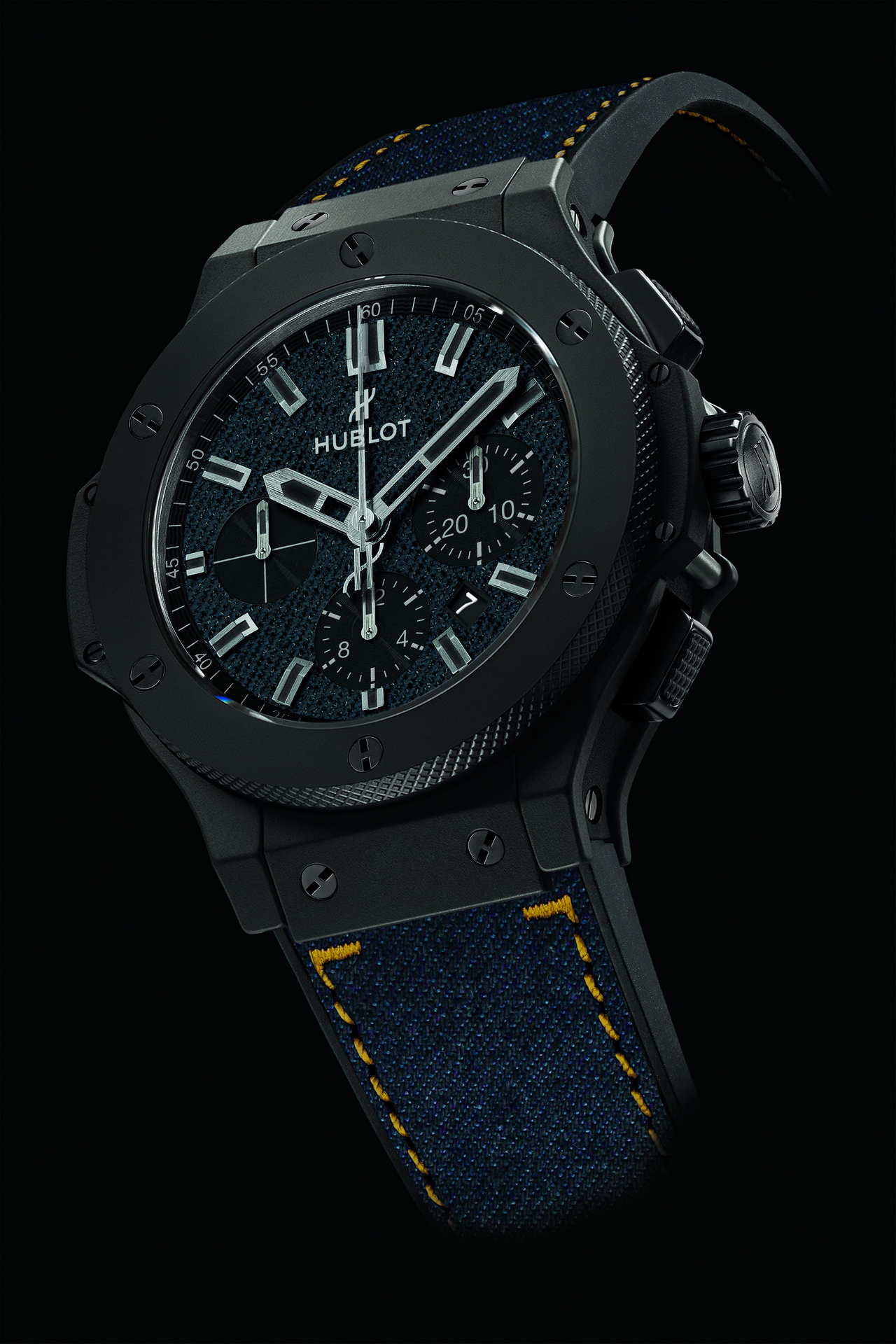 sihh-2014-hublot-big-bang-dark-jeans-ceramic-44-mm_0-100_2