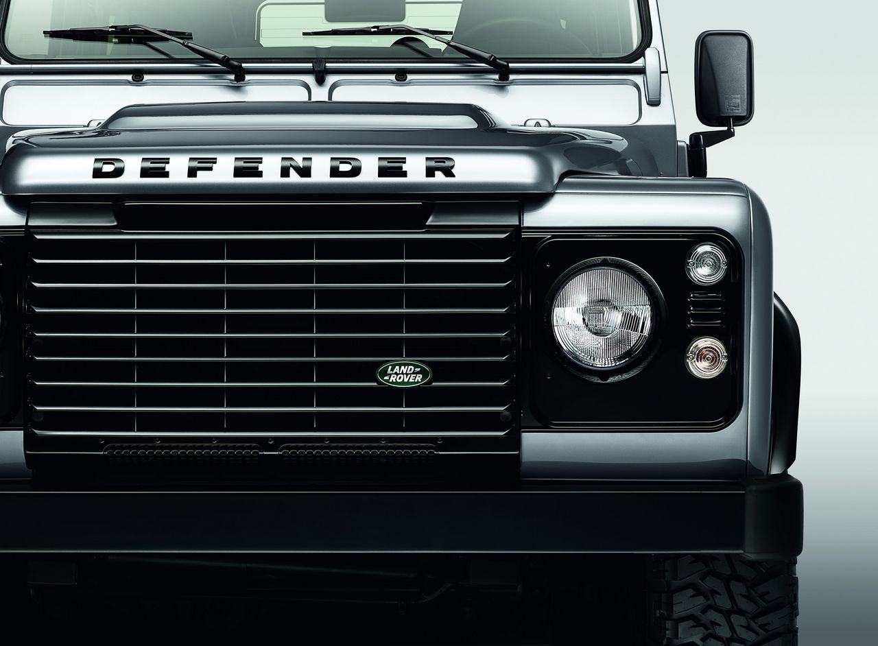 anteprima-salone-di-ginevra-2014-land-rover-defender-black-pack-e-silver-pack-special-edition-0-100_14