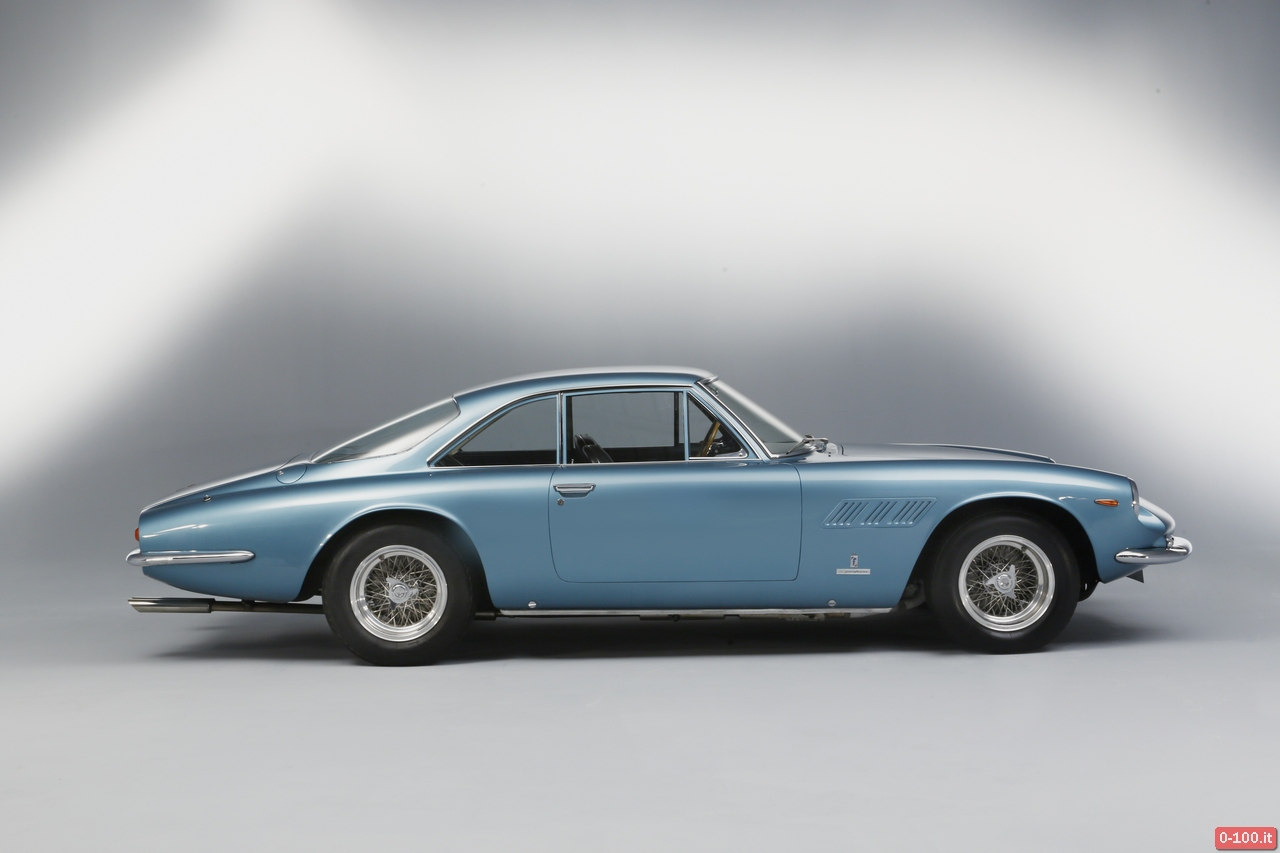 artcurial-at-retromobile-2014-ferrari-500-superfast-1964-0-100_2