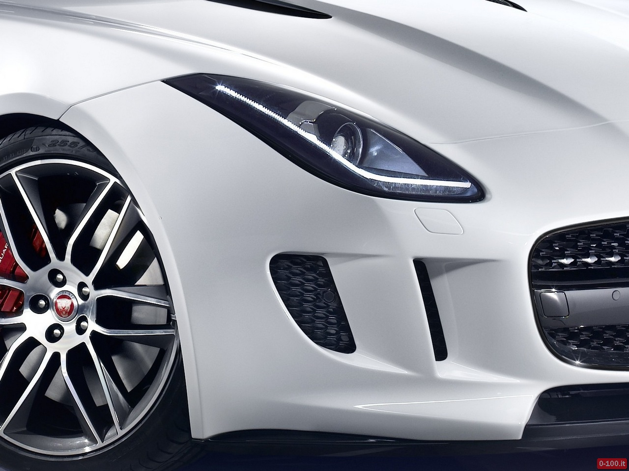jose-mourinho-jaguar-f-type-coupe-0-100_4
