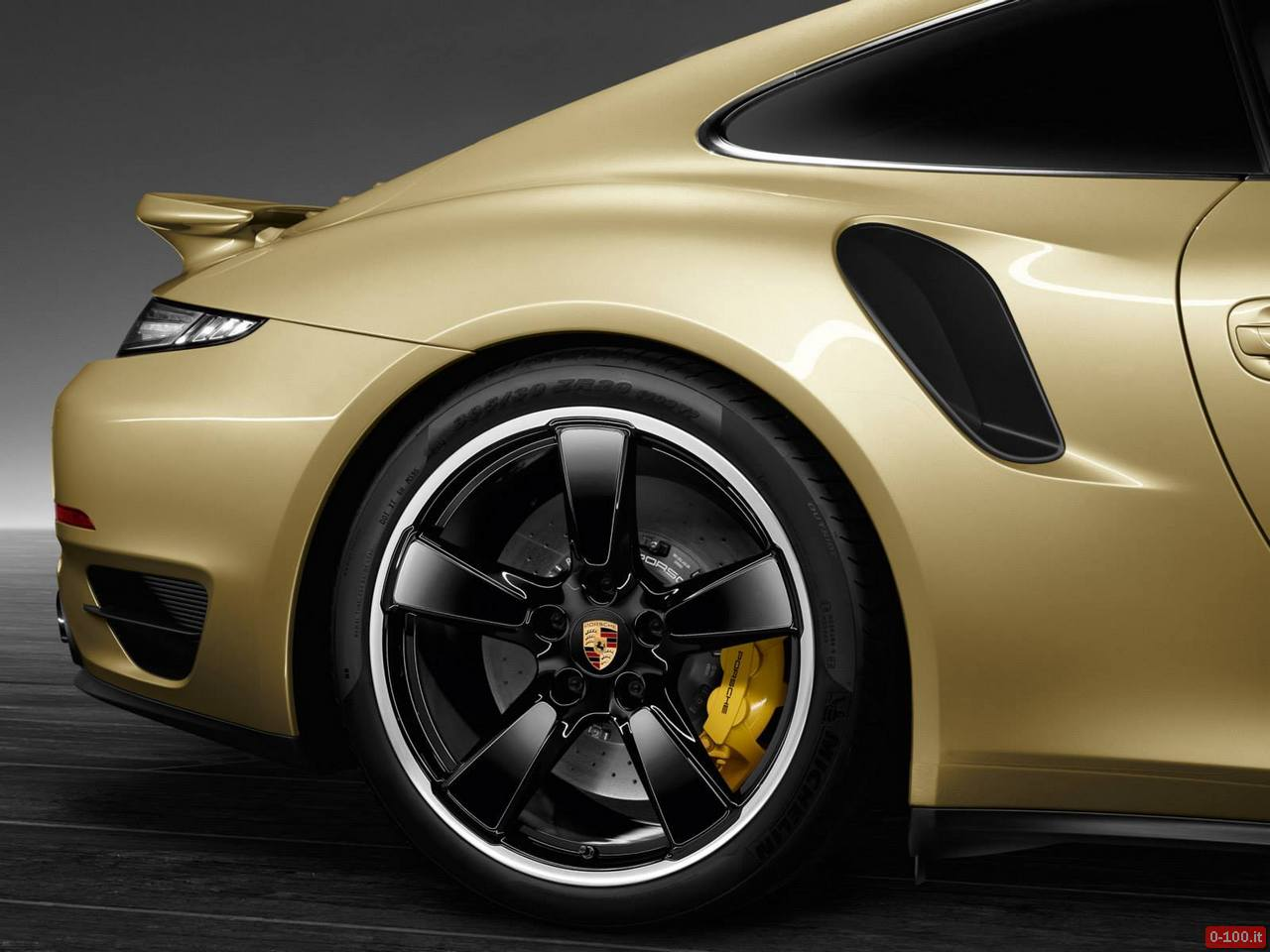 prosche-991-turbo-exclusive-oro-gold-0-100_4
