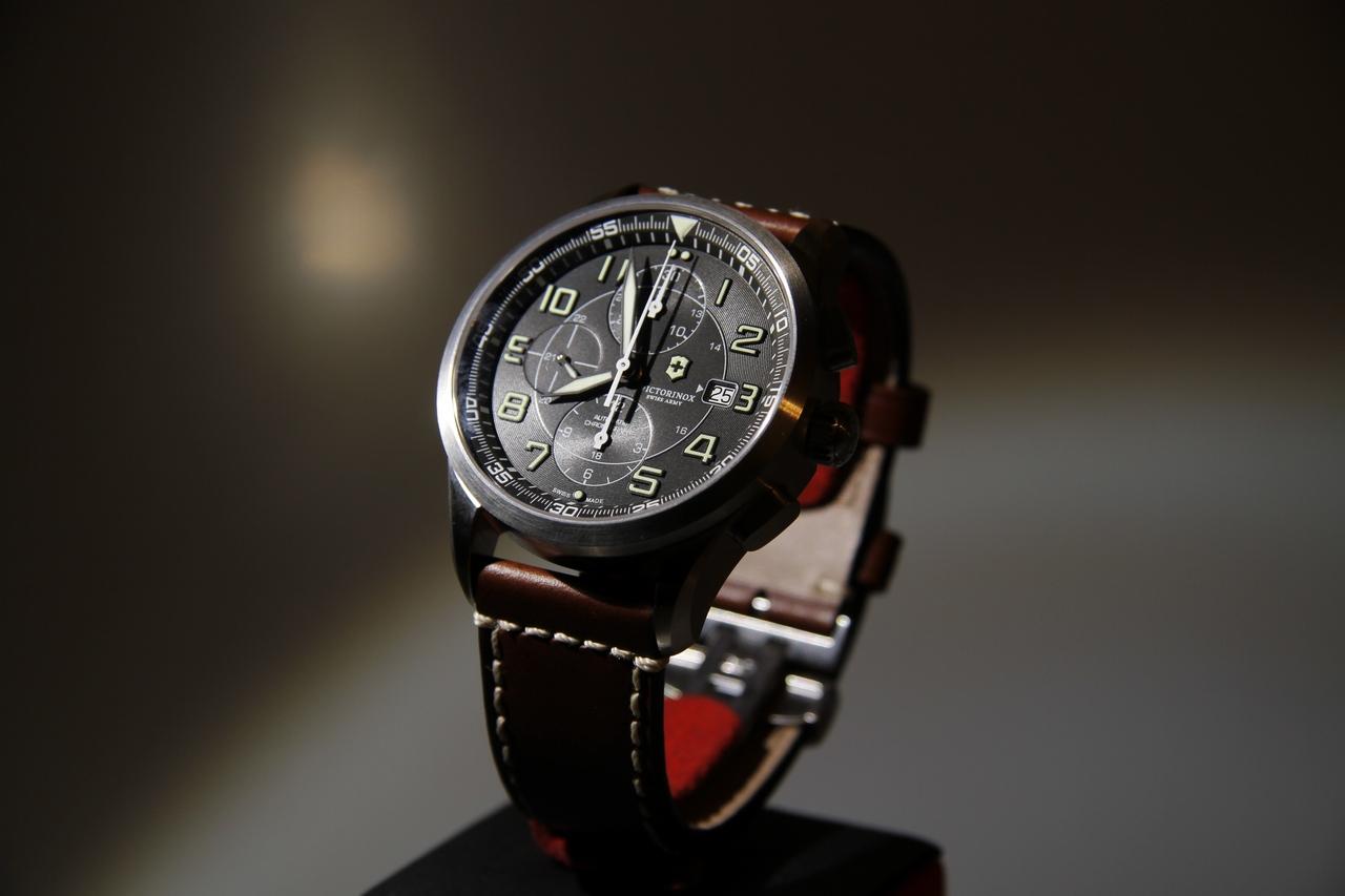 watch-test-victorinox-swiss-army-chronograph-automatic-prezzo-price-0-100_1