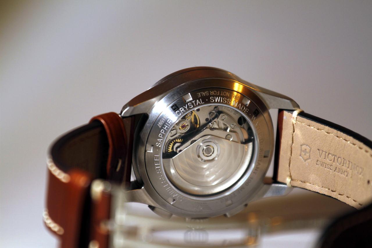 watch-test-victorinox-swiss-army-chronograph-automatic-prezzo-price-0-100_11