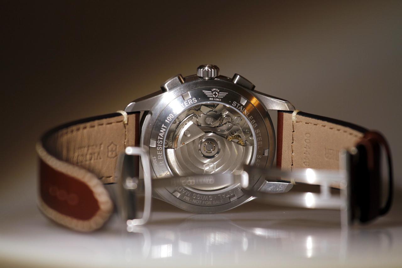 watch-test-victorinox-swiss-army-chronograph-automatic-prezzo-price-0-100_15