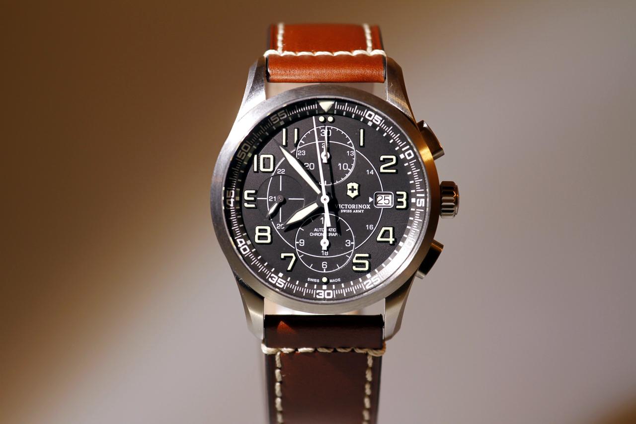 watch-test-victorinox-swiss-army-chronograph-automatic-prezzo-price-0-100_2