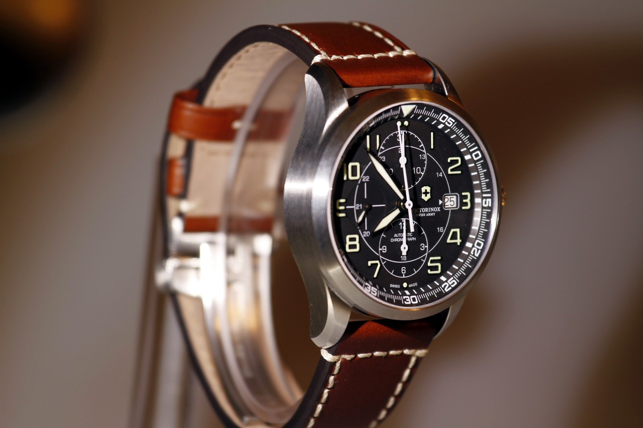 watch-test-victorinox-swiss-army-chronograph-automatic-prezzo-price-0-100_3