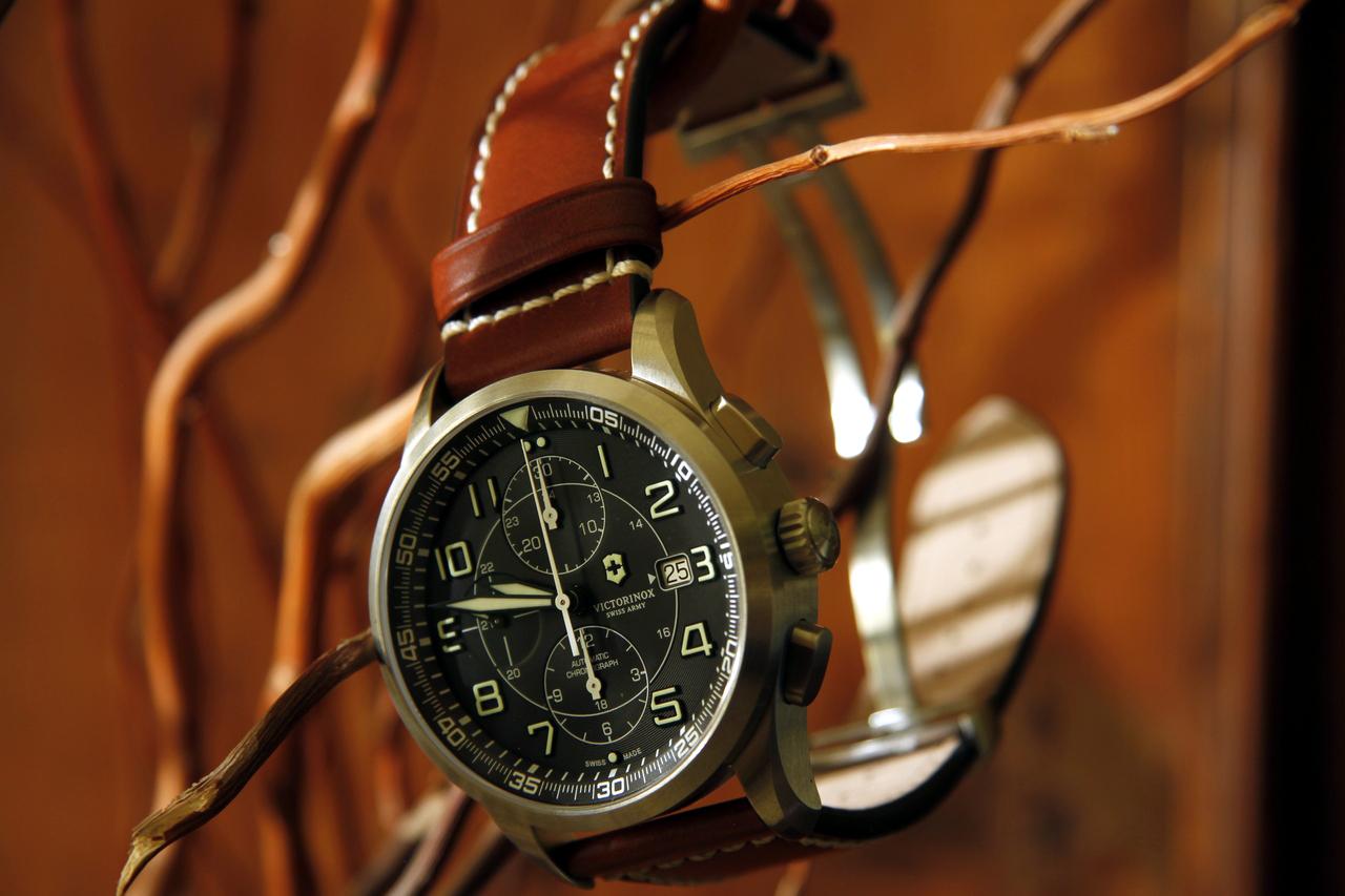 watch-test-victorinox-swiss-army-chronograph-automatic-prezzo-price-0-100_30