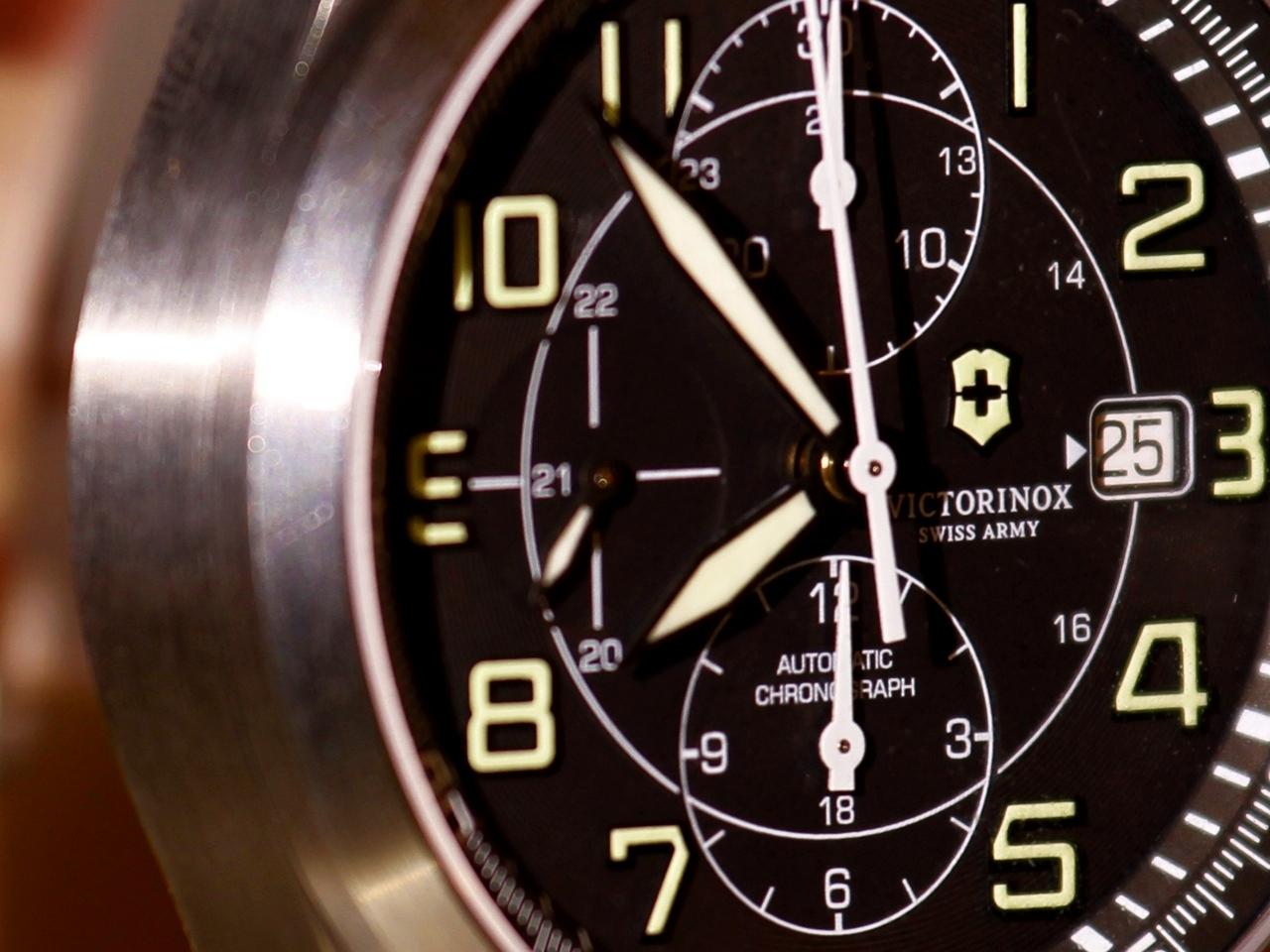 watch-test-victorinox-swiss-army-chronograph-automatic-prezzo-price-0-100_38