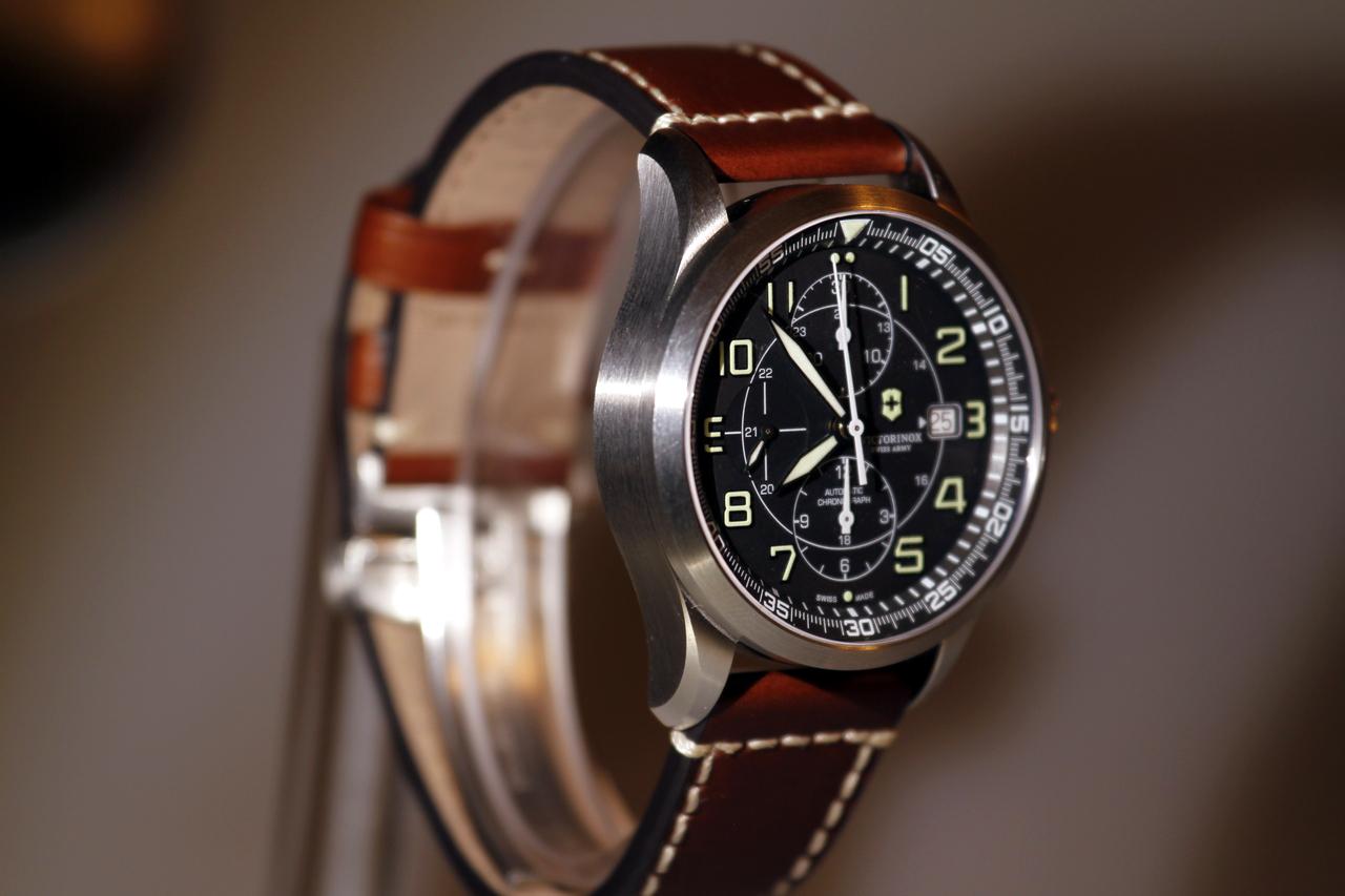watch-test-victorinox-swiss-army-chronograph-automatic-prezzo-price-0-100_4