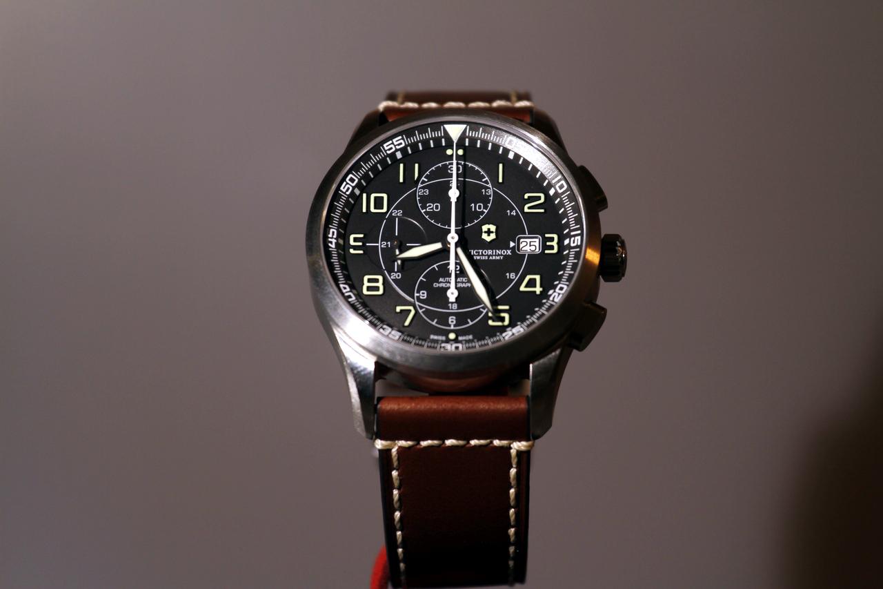 watch-test-victorinox-swiss-army-chronograph-automatic-prezzo-price-0-100_7
