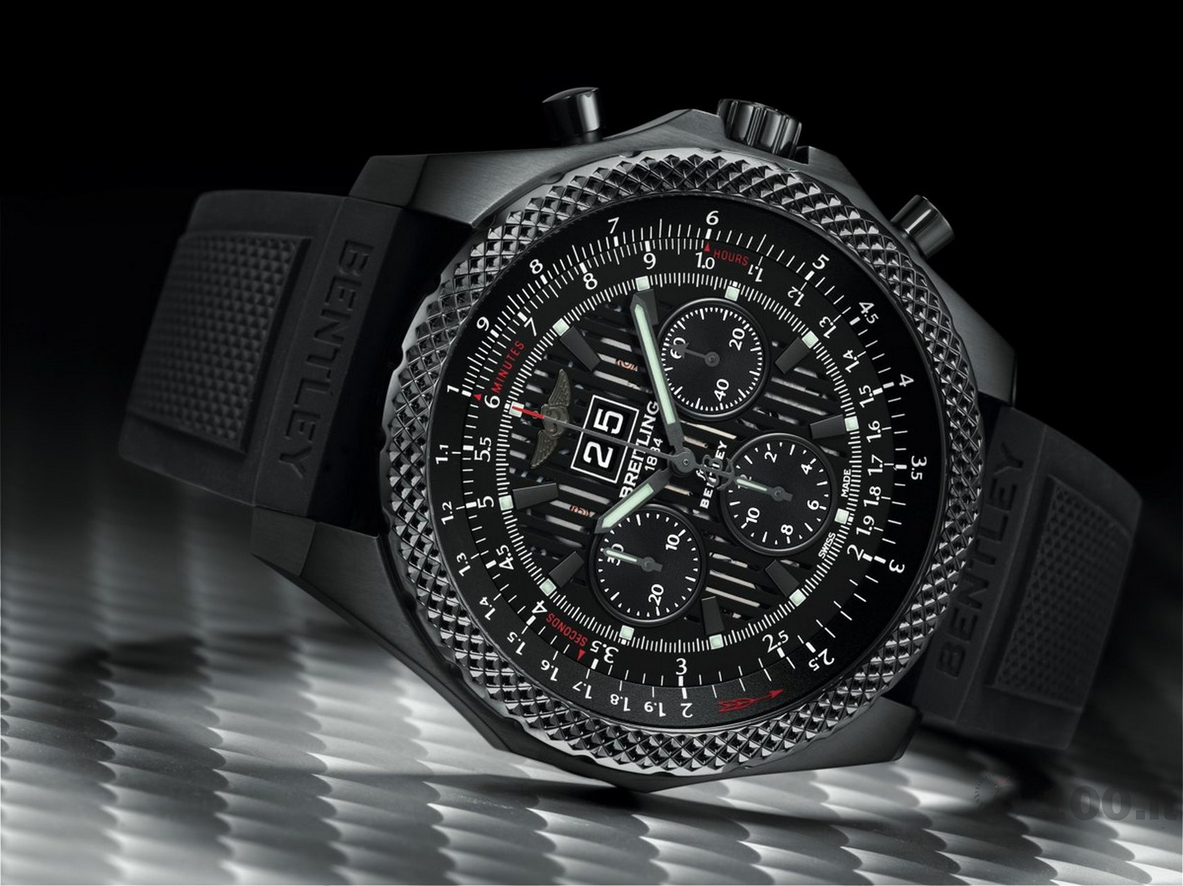 breitling-bentley-6.75-midnight-carbon-baselworld-2014