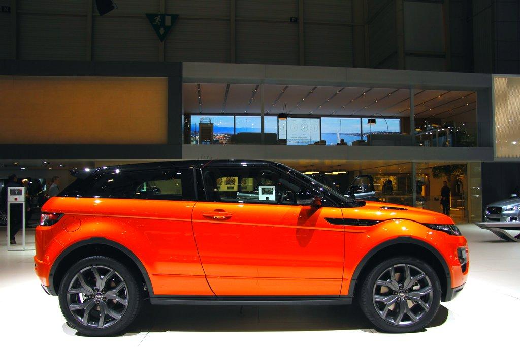 geneve-autoshow-land-range-rover-sport-evoque-autobiography-freelander-2-2014-0-100_10