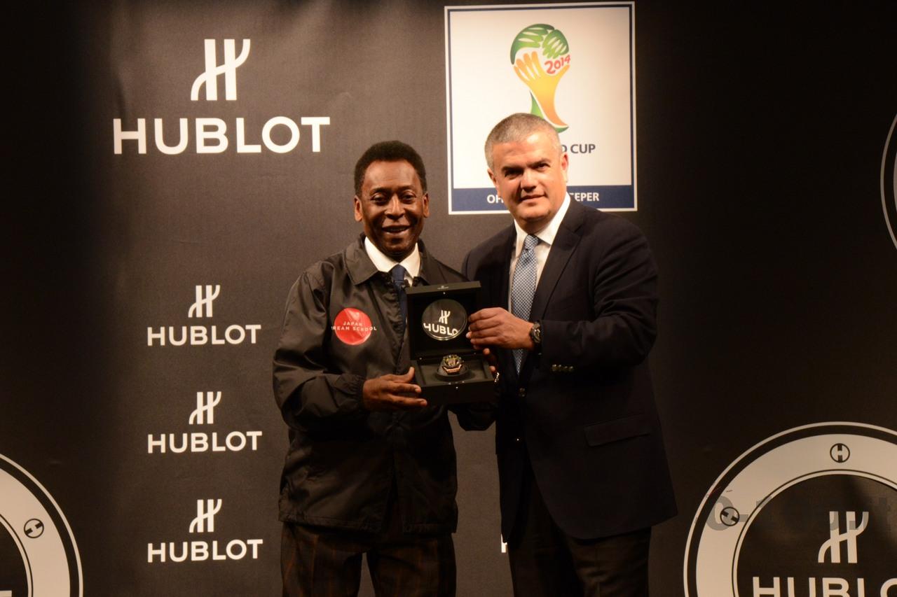hublot-big-bang-unico-chrono-bi-retrograde-orologio-ufficiale-della-fifa-world-cup-brazil-2014_0-10019