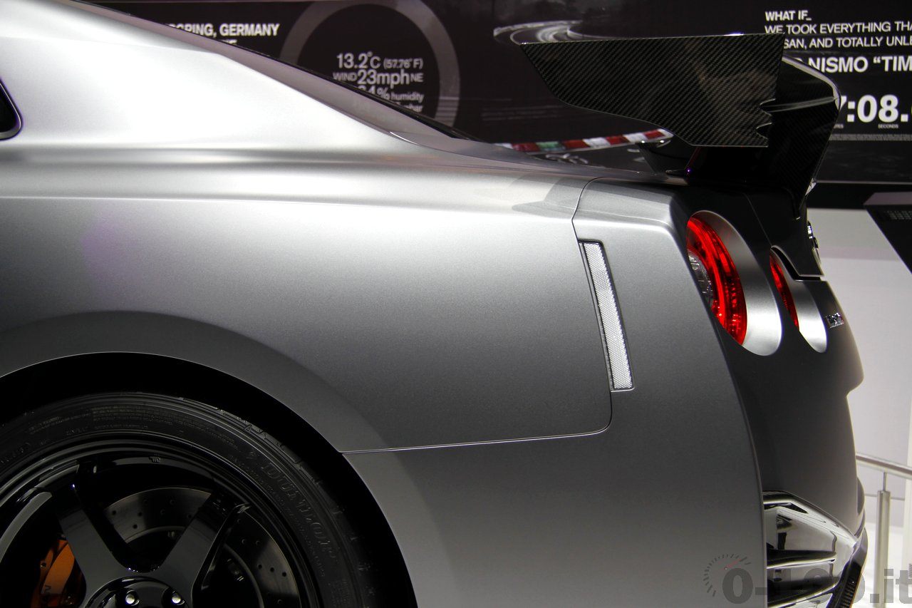 nissan-gt-r-nismo-geneve-2014-0-100_18