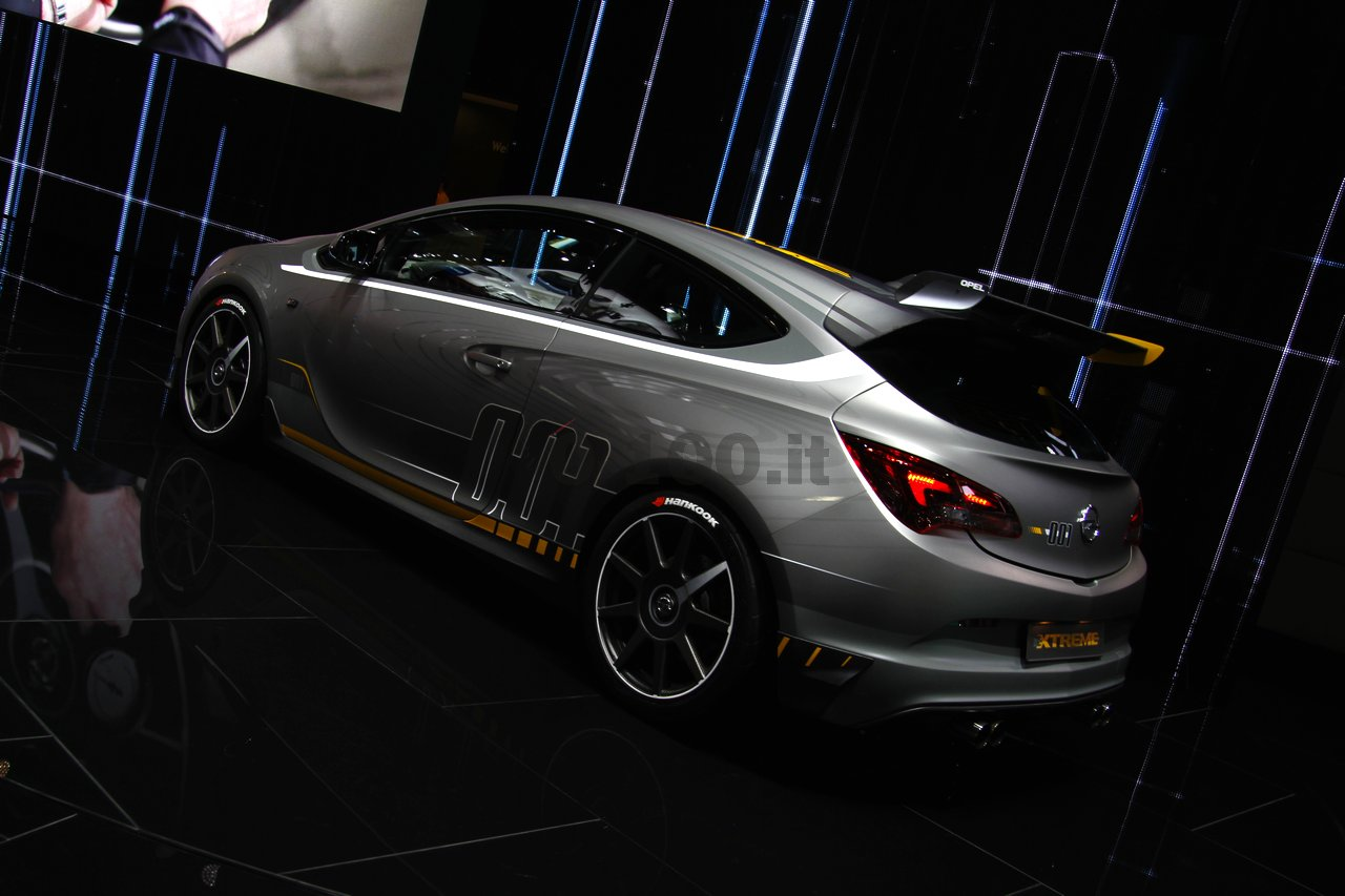 opel-astra-opc-extreme-geneve-2014_0-100_11