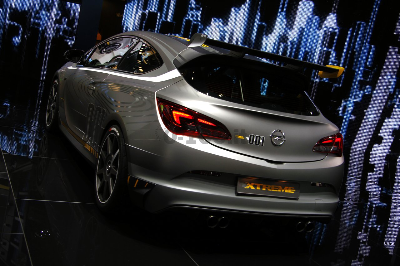 opel-astra-opc-extreme-geneve-2014_0-100_15