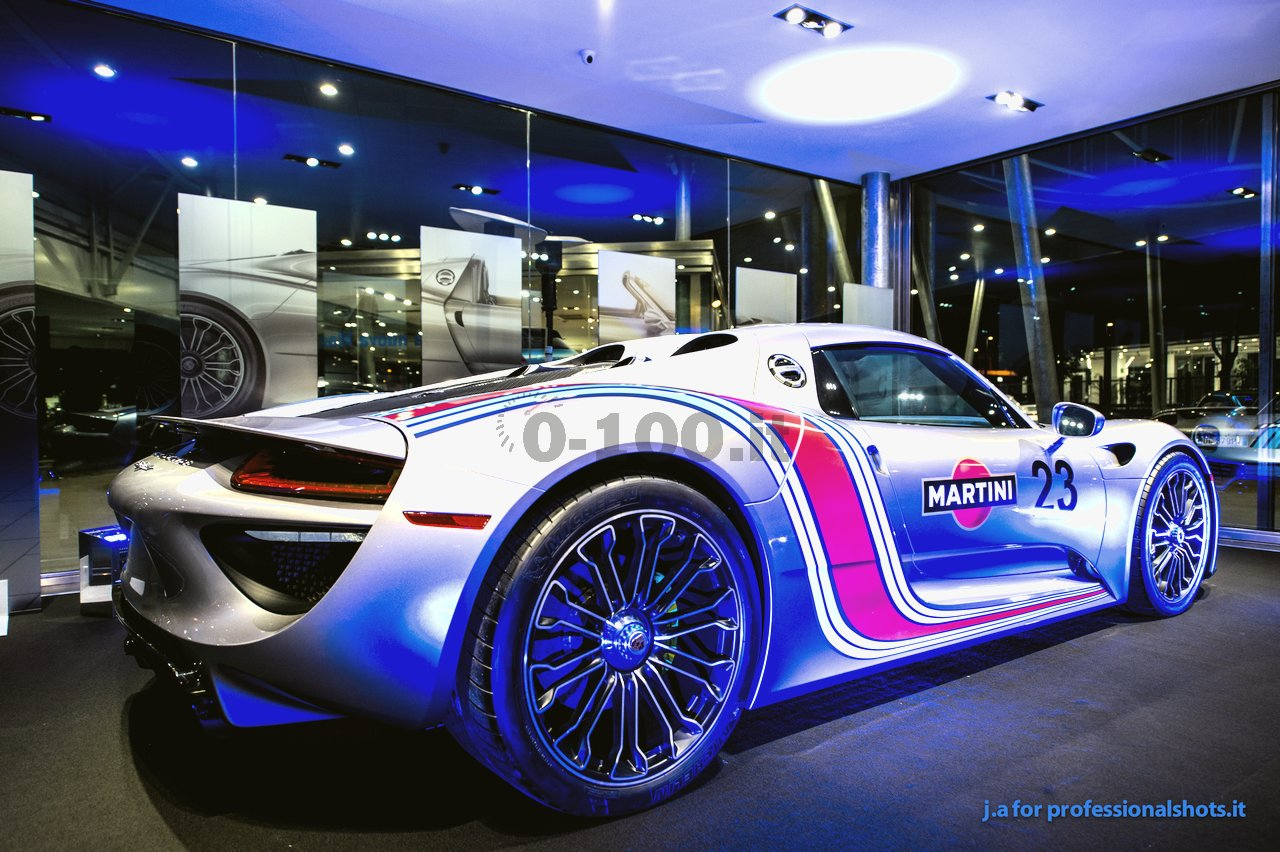 porsche 918 spyder iniziativa dei centri porsche italiani. Black Bedroom Furniture Sets. Home Design Ideas