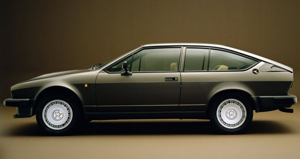 Alfa_Romeo-Alfetta_GTV_6_2.5i_1980