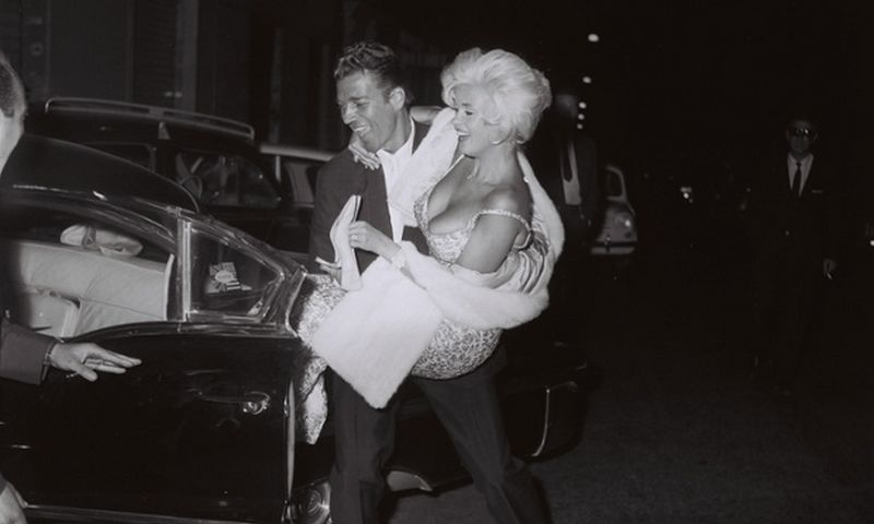 Jane Mansfield and Mickey Hargitay leaving Piccola Budapest in Rome, October 1962