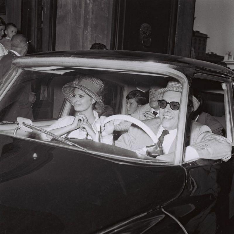 Marcello Geppetti (1933-1998) Carlo Ponti, Sophia Loren e Vittorio De Sica, Roma, 1961,