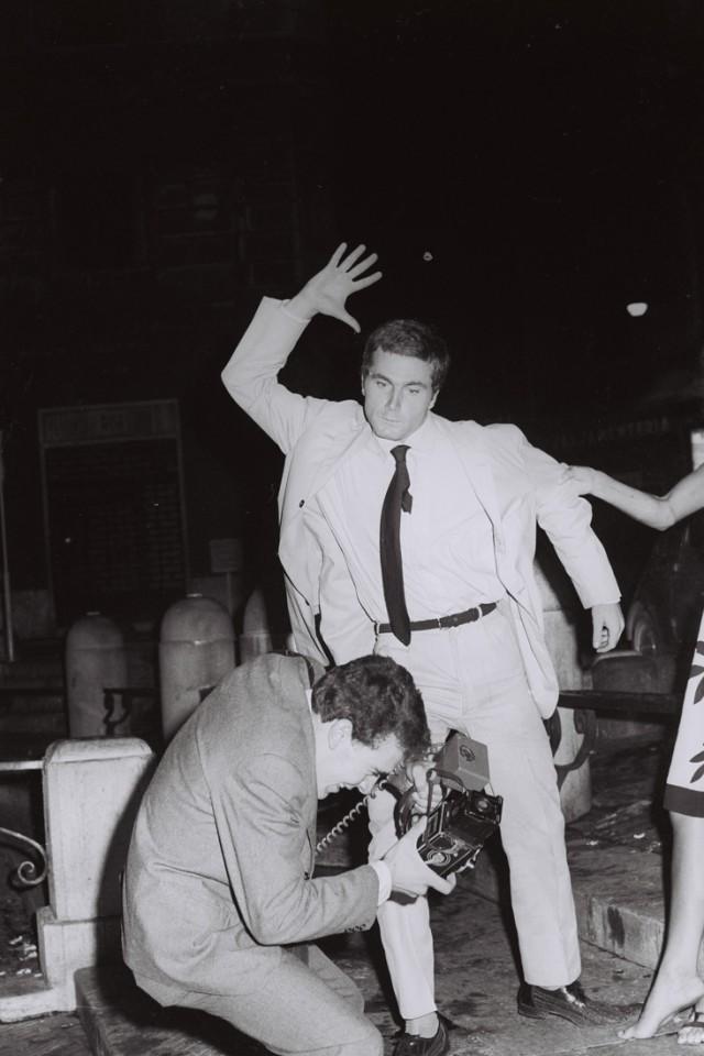 Marcello Geppetti (1933-1998) Franco Nero assalta Rino Barillari alla Fontana di Trevi, 1965,