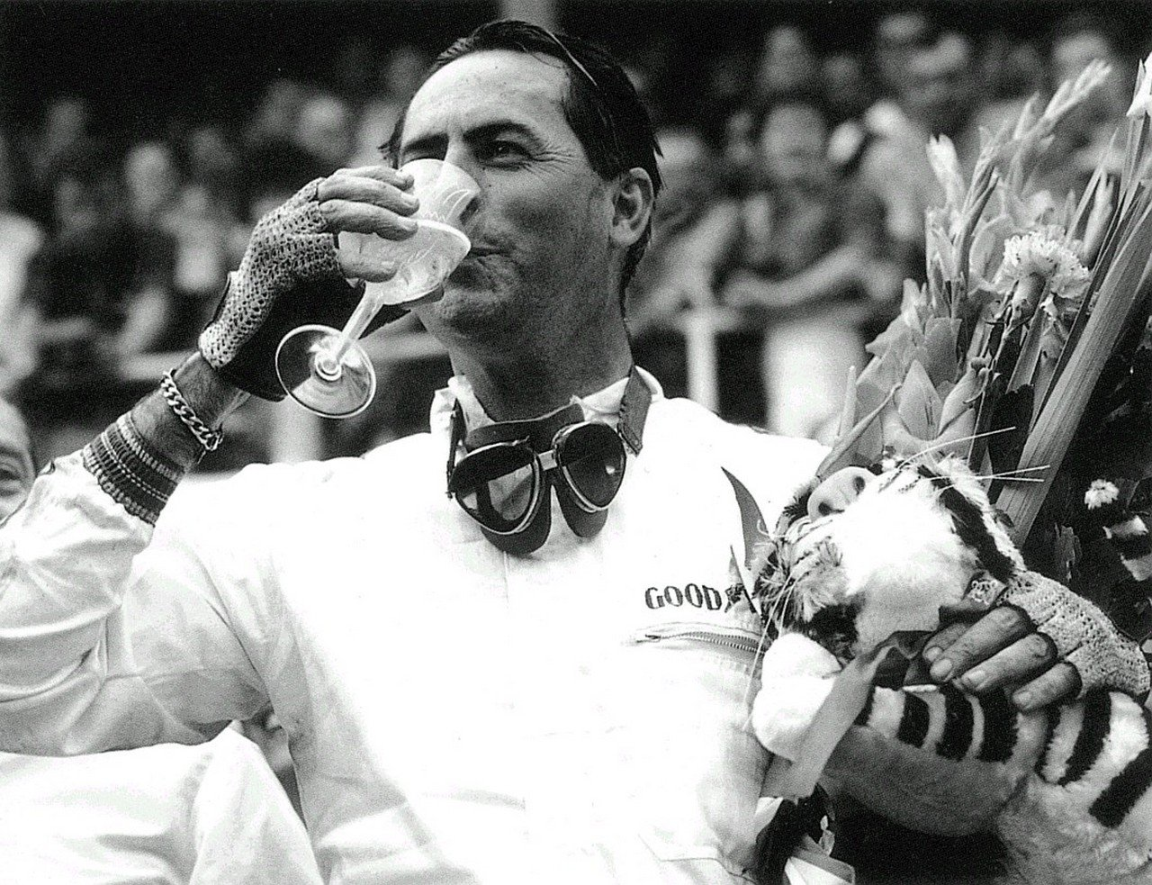 jack_brabham_celebrating_1966_world_championship