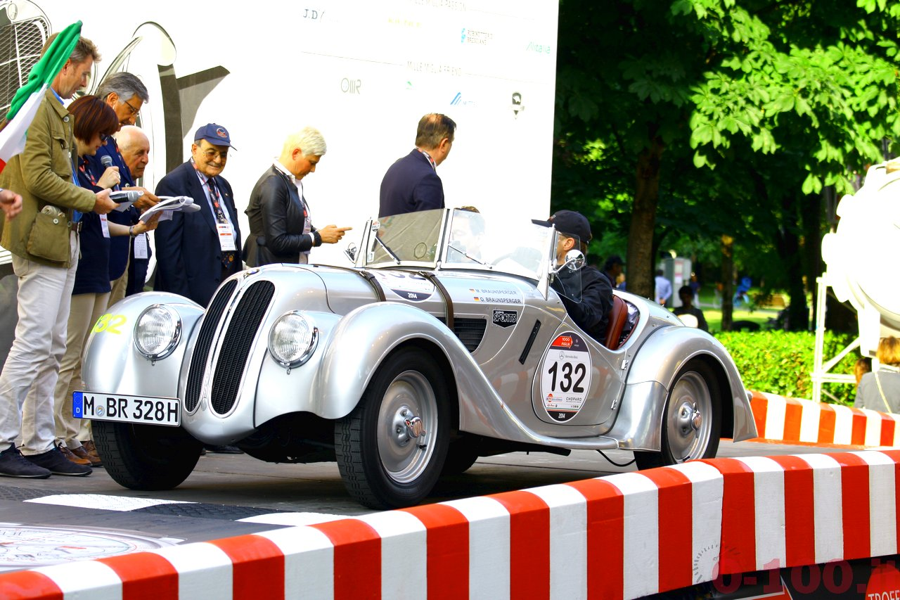mille-miglia-2014_starting-grid-0-100_0120