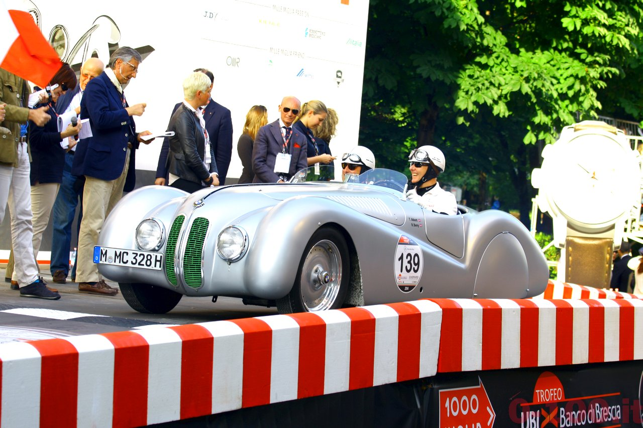 mille-miglia-2014_starting-grid-0-100_0126