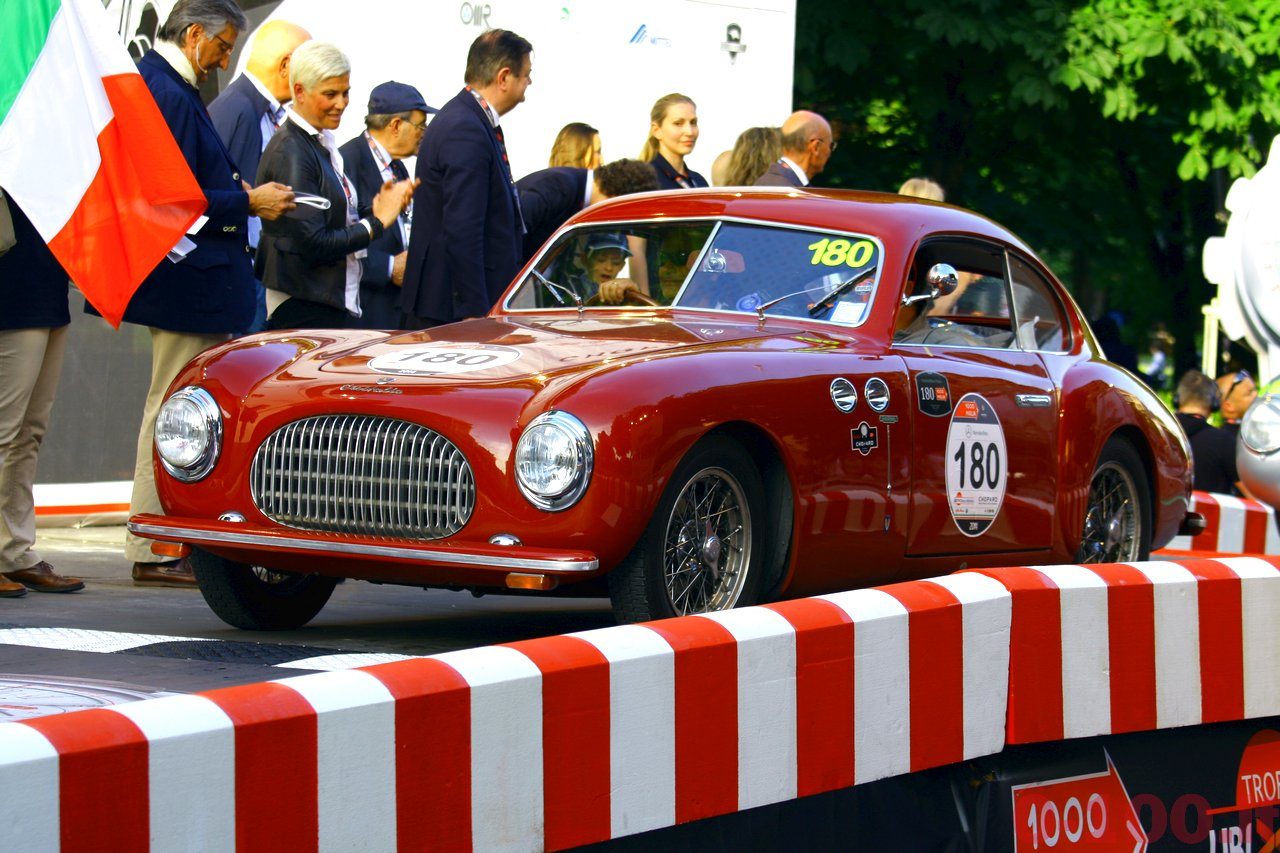 mille-miglia-2014_starting-grid-0-100_0146