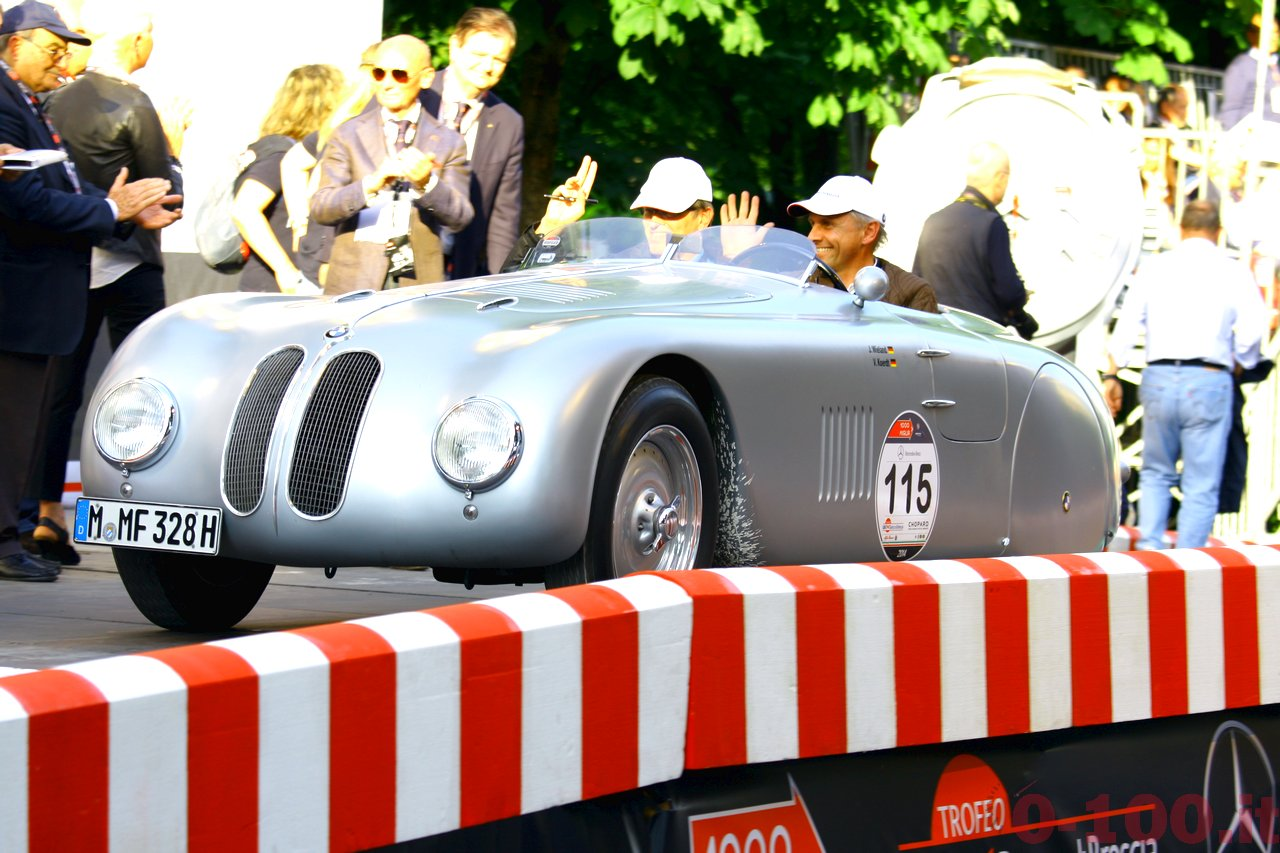 mille-miglia-2014_starting-grid-0-100_015