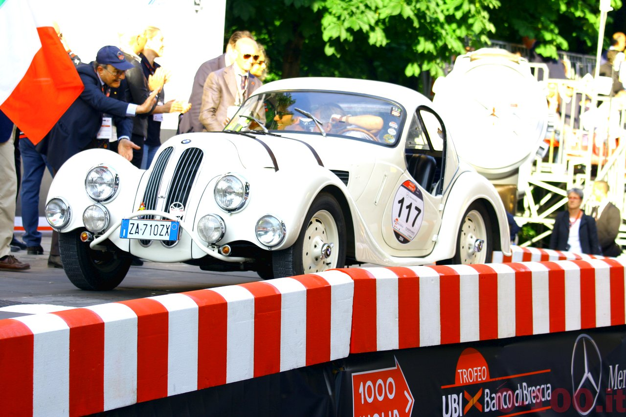 mille-miglia-2014_starting-grid-0-100_017