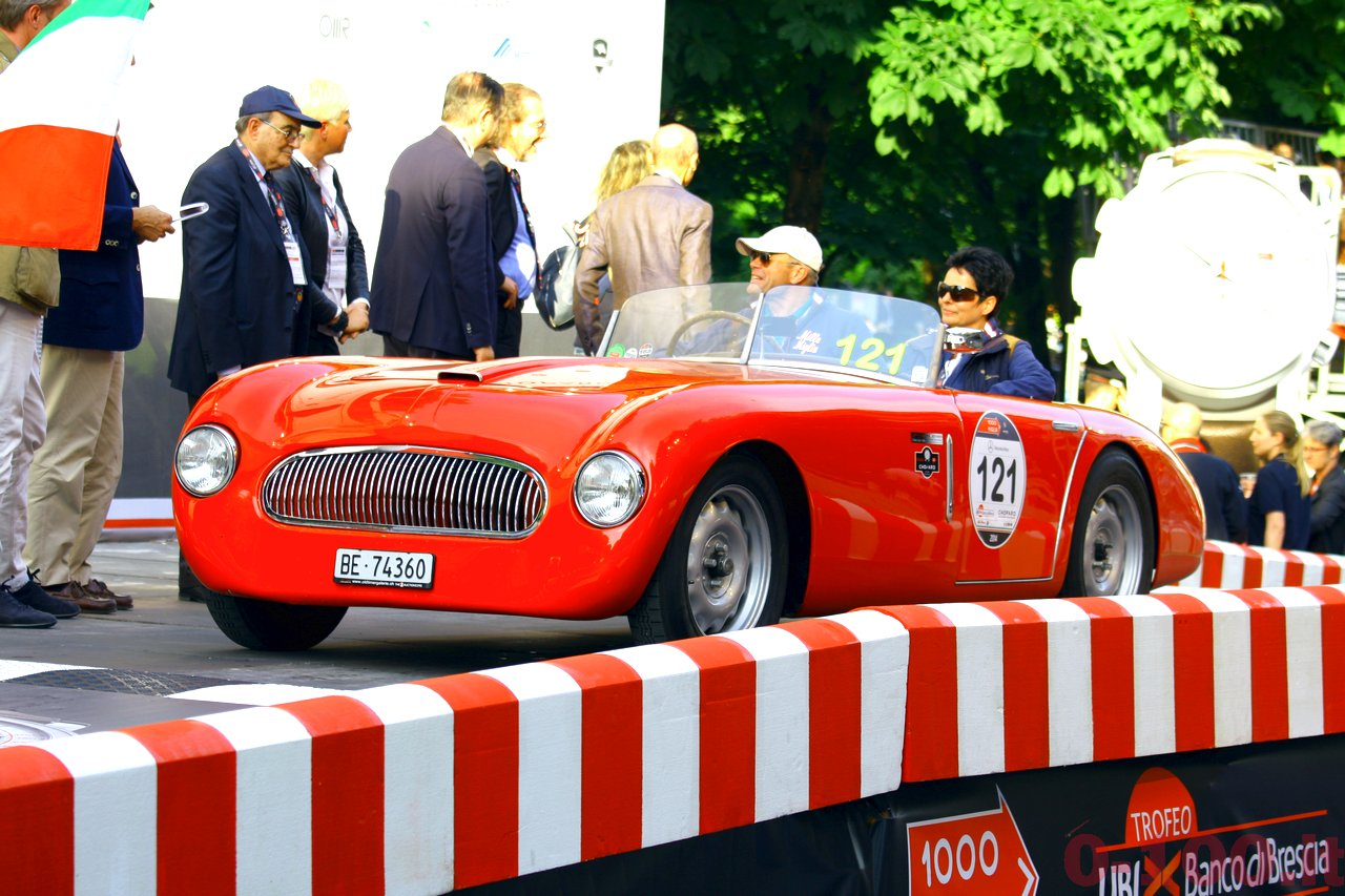 mille-miglia-2014_starting-grid-0-100_019