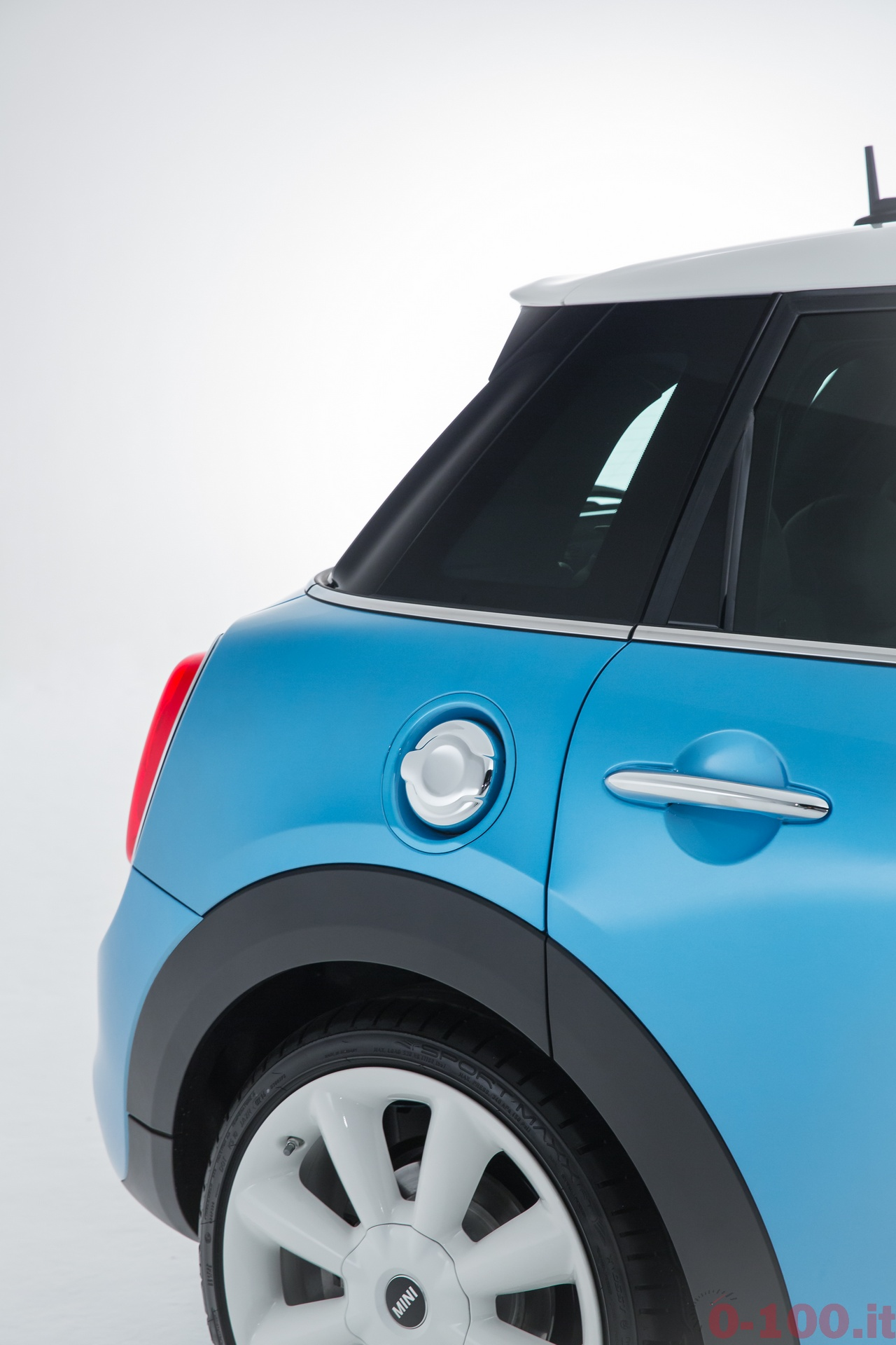 BMW_MINI-5-porte-doors-SD-Cooper-S-0-100_174