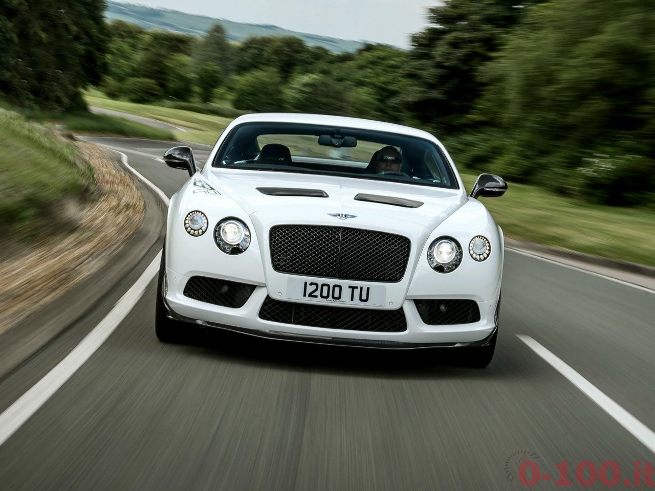 bentley-continental-gt3-r-v8-0-100_15