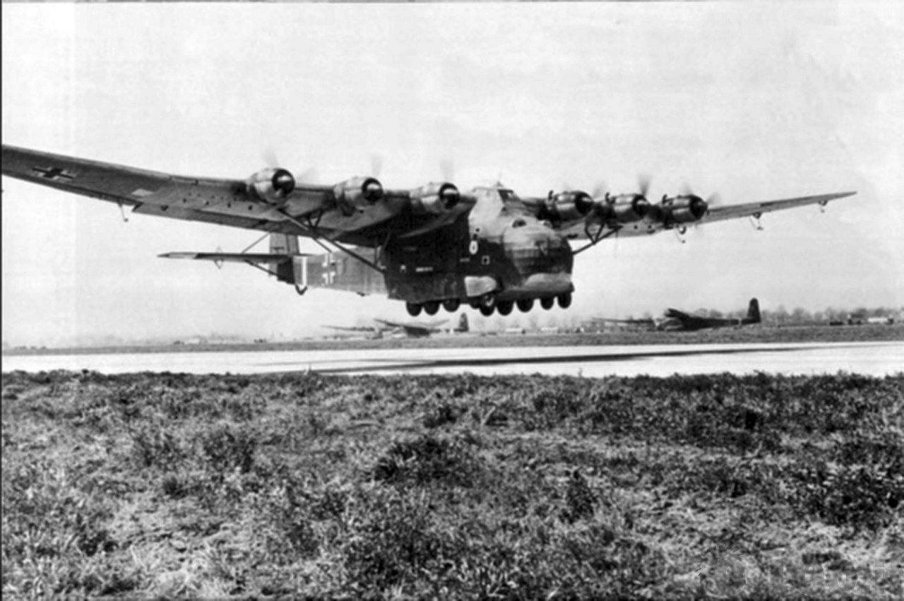 Takeoff transport aircraft Messerschmitt Me.323 ÇGigantÈ