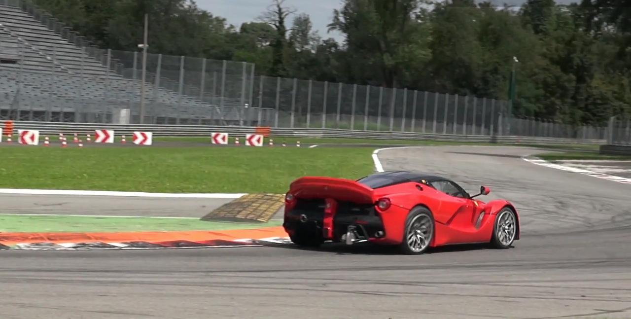 ferrri-laferrari-mule-xx-monza-4-steering-wheel-0-100_2