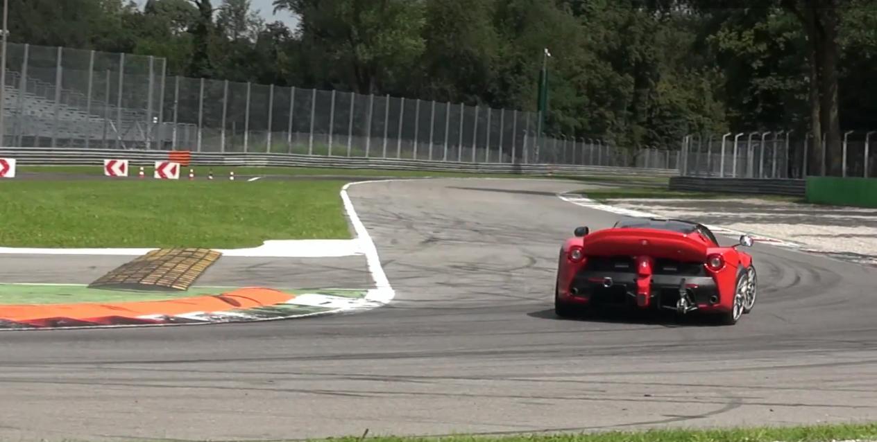 ferrri-laferrari-mule-xx-monza-4-steering-wheel-0-100_4