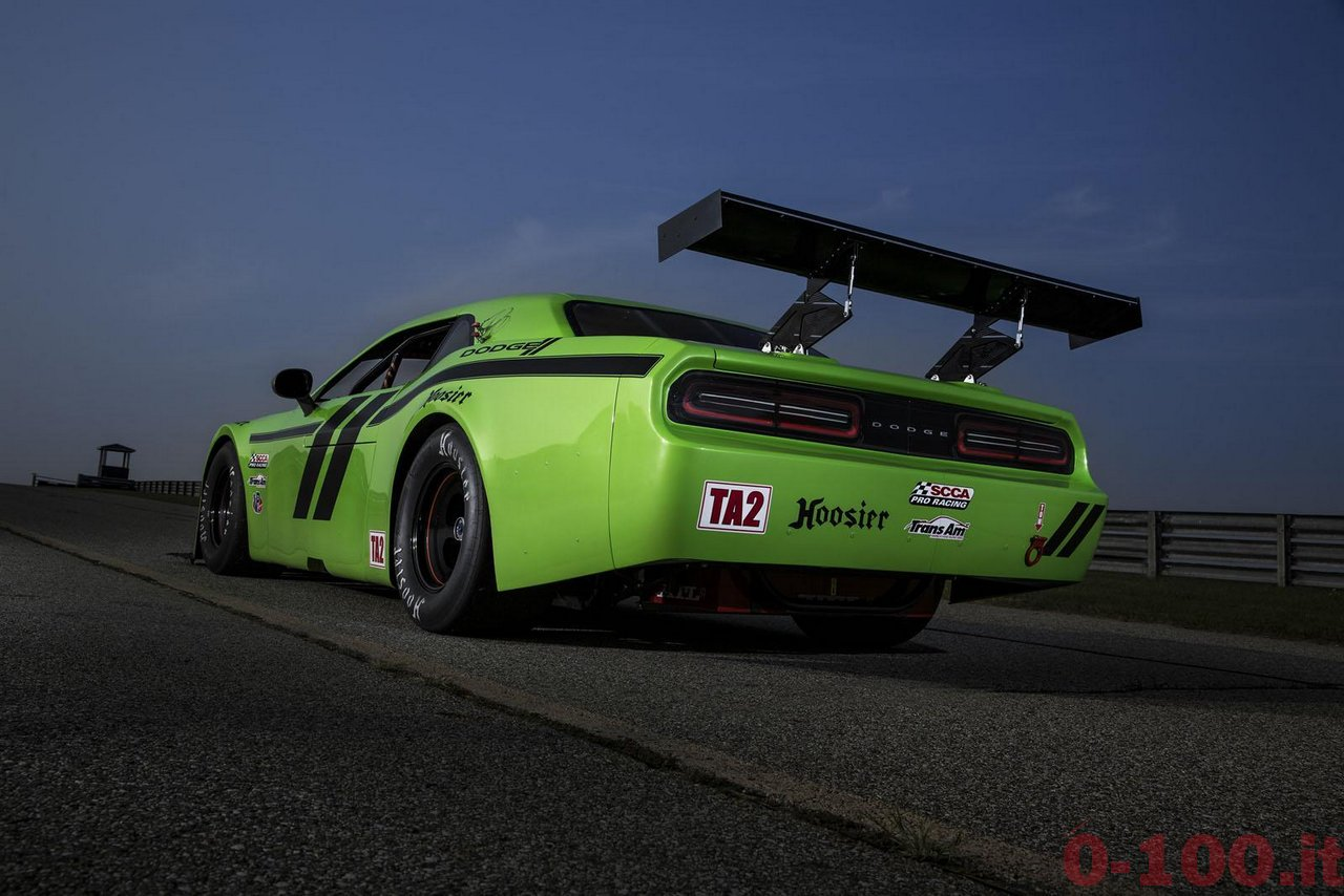 Dodge-Challenger-SRT-Trans-Am-race-0-100_1