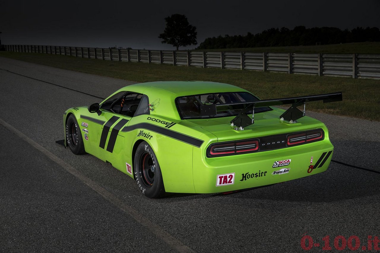 Dodge-Challenger-SRT-Trans-Am-race-0-100_3