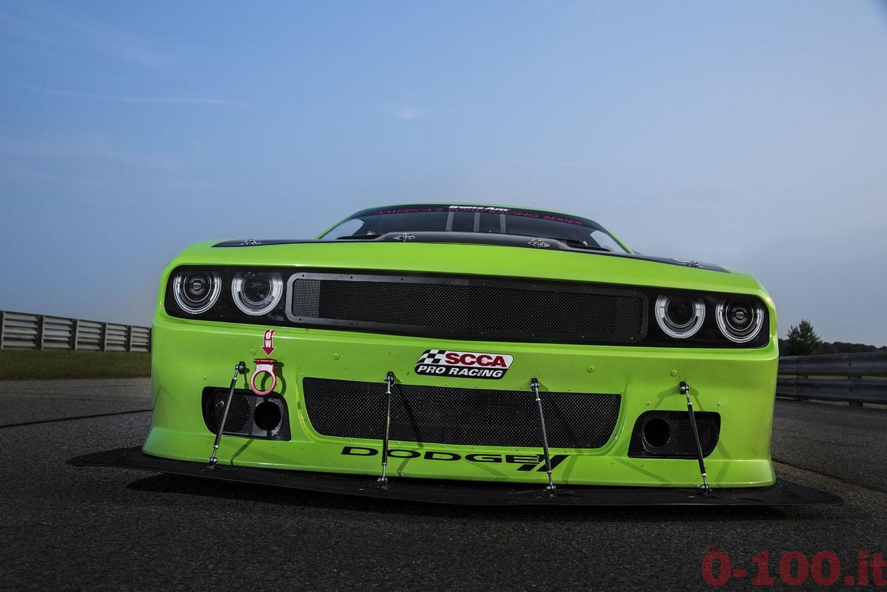 Dodge-Challenger-SRT-Trans-Am-race-0-100_5