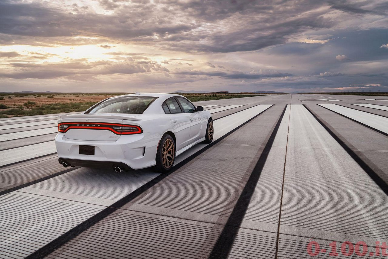 dodge-charger-srt-hellcat_0-100_30
