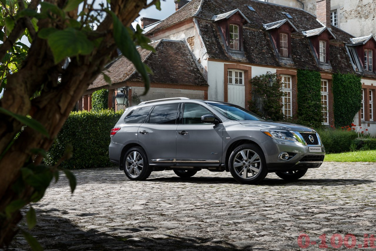 salone-di-mosca-2014-nuovo-nissan-pathfinder_0-100_14