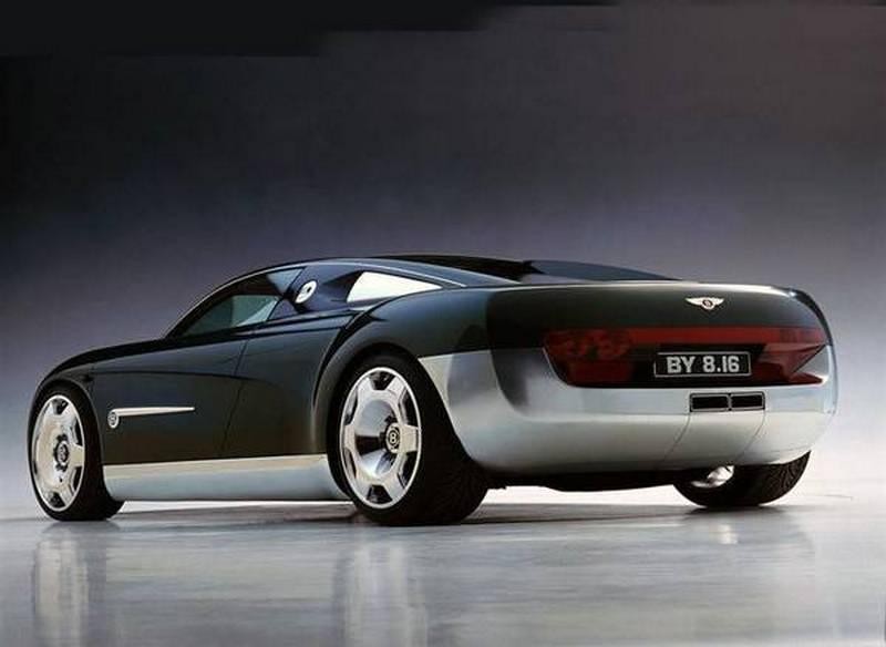 Nei piani Bentley una sportiva basata su Audi R8