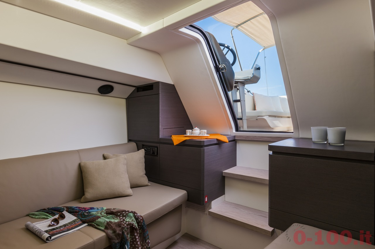 cannes-yachting-festival-2014-wider-32-tender-express-cruiser-0-100_11