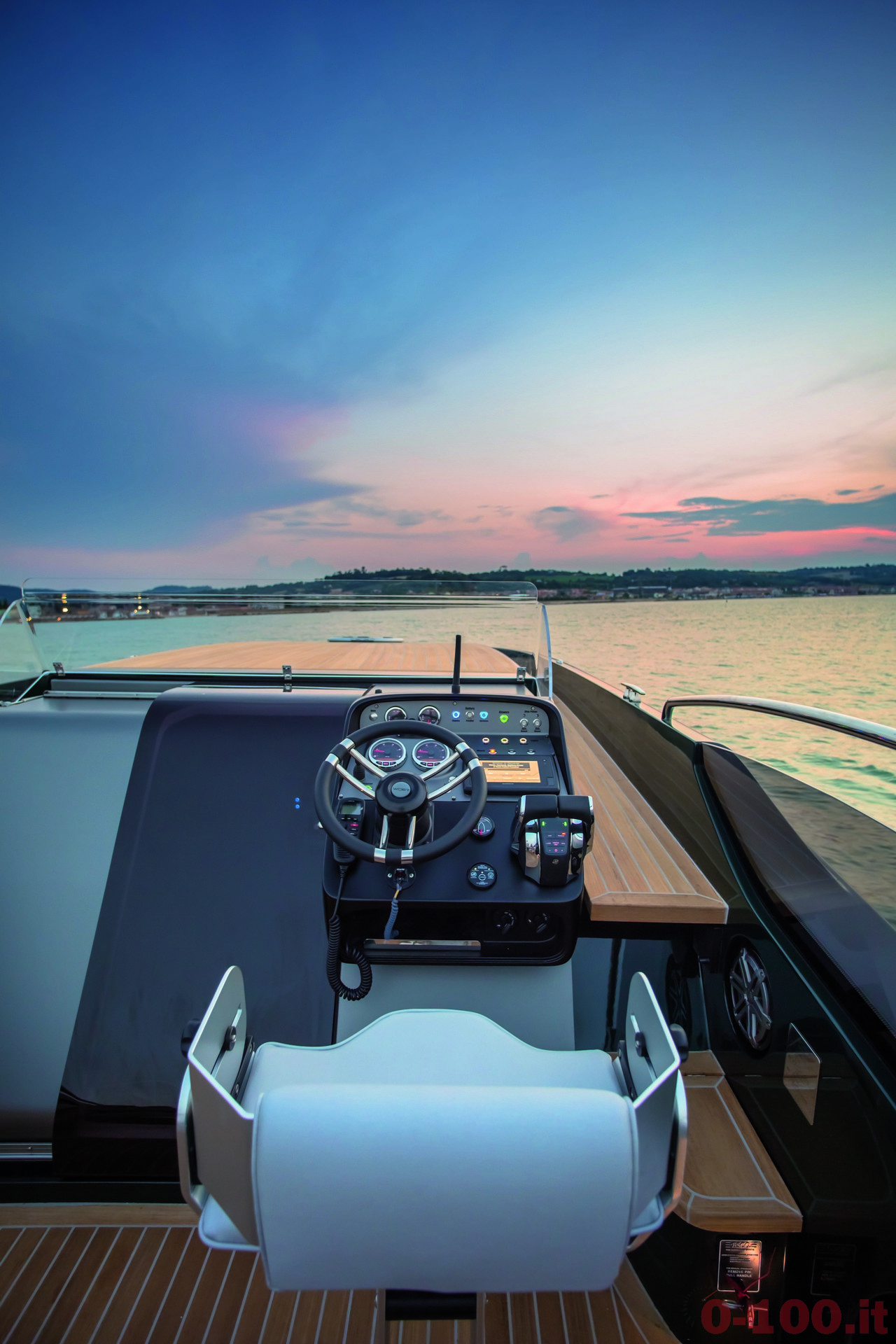 cannes-yachting-festival-2014-wider-32-tender-express-cruiser-0-100_15