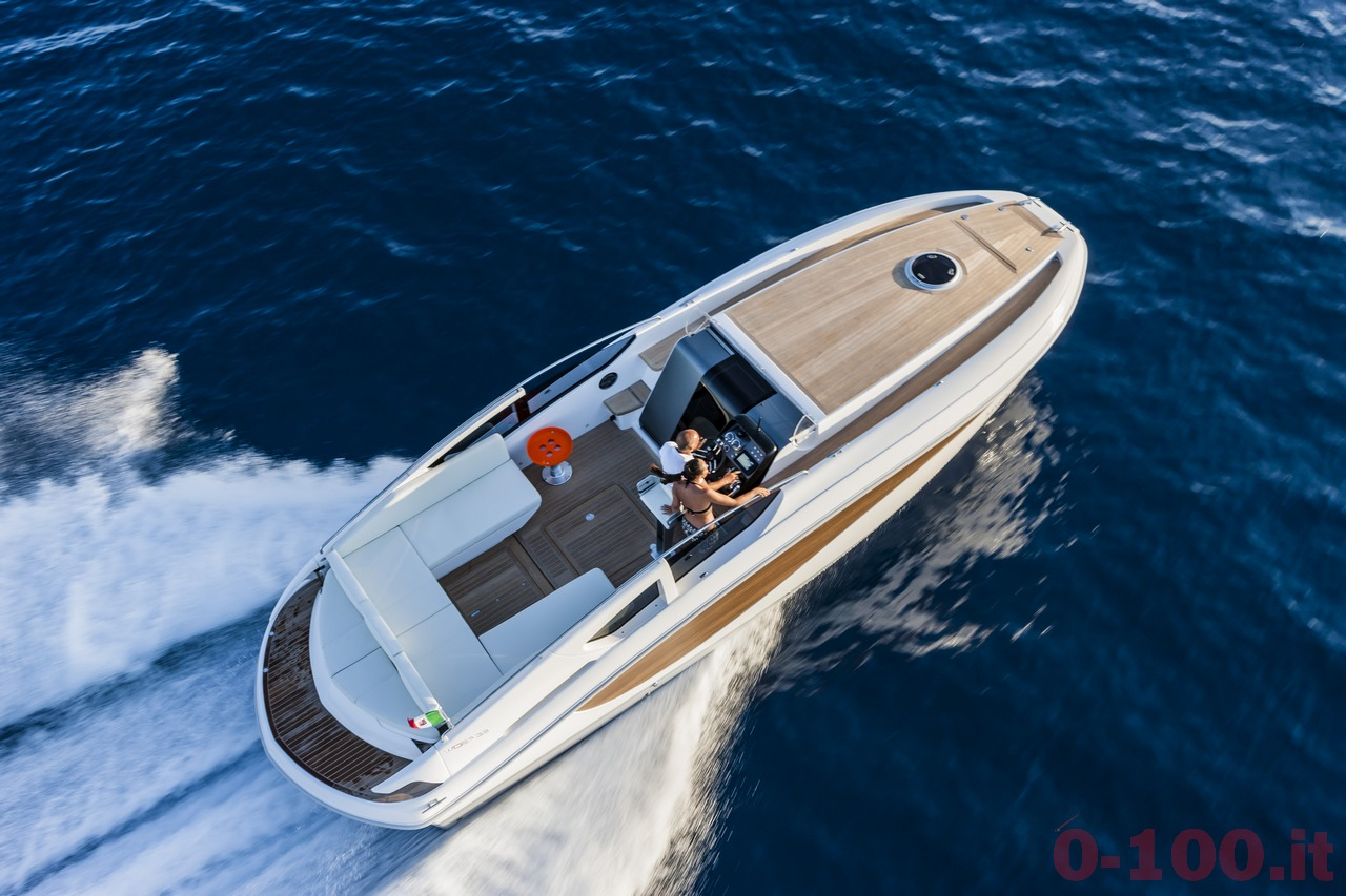 cannes-yachting-festival-2014-wider-32-tender-express-cruiser-0-100_4