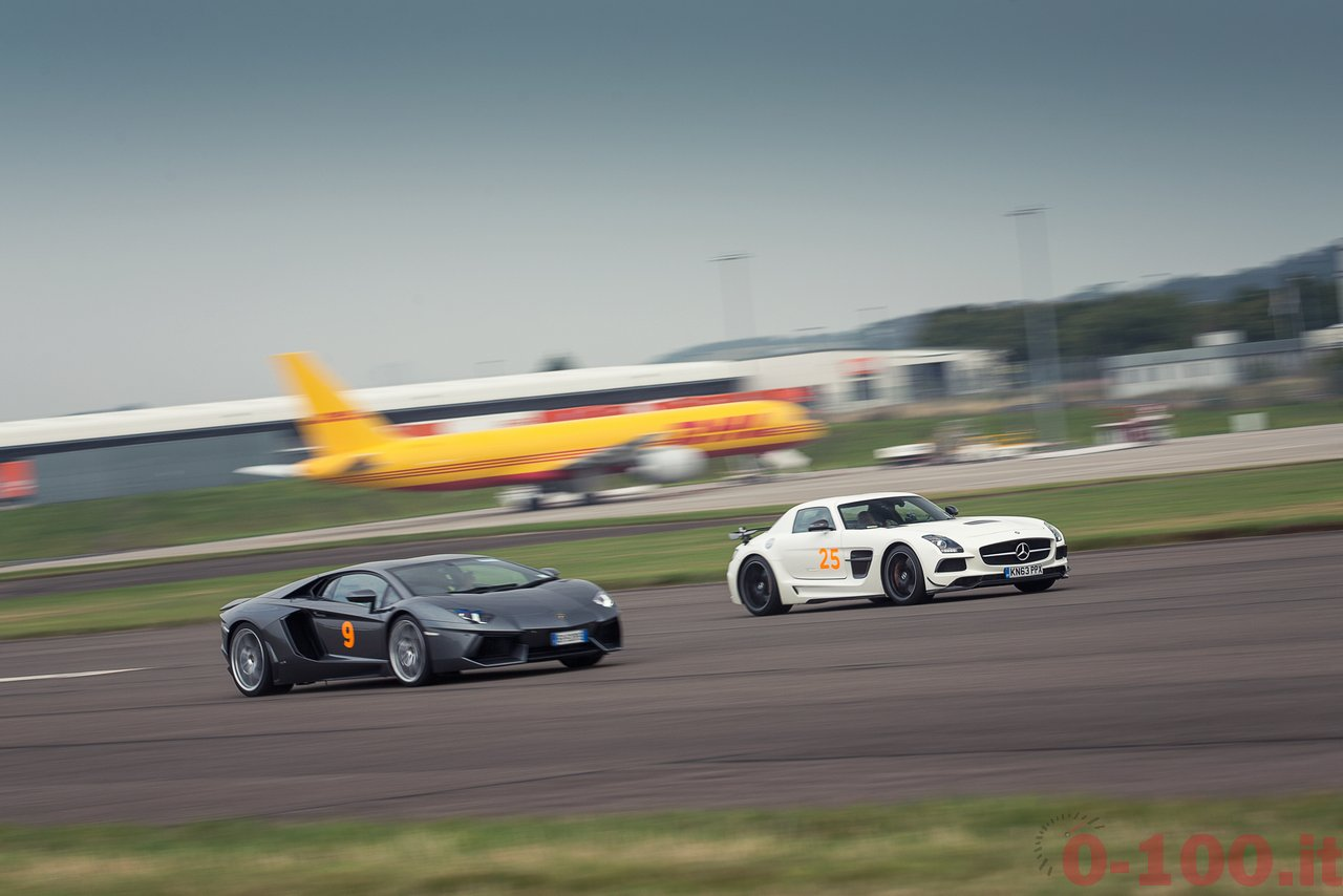 frace-the-runway-mercedes-amg-petronas-f1w103_0-100_6