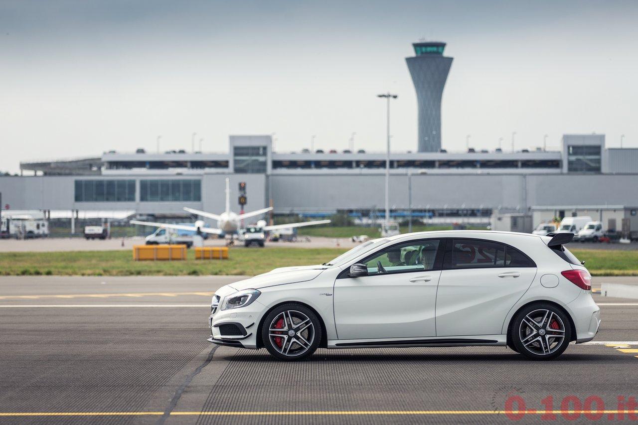 frace-the-runway-mercedes-amg-petronas-f1w103_0-100_7